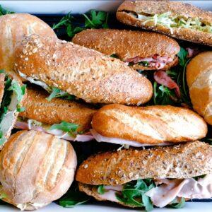 10 personen broodjes lunchpakket
